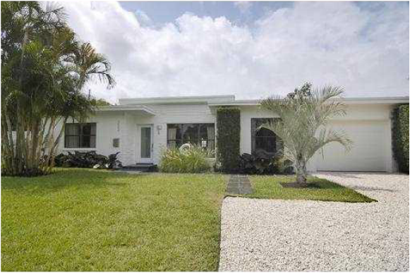 Modernist architecture real estate agent Tobias Kaiser offers Miami Shores modern homes