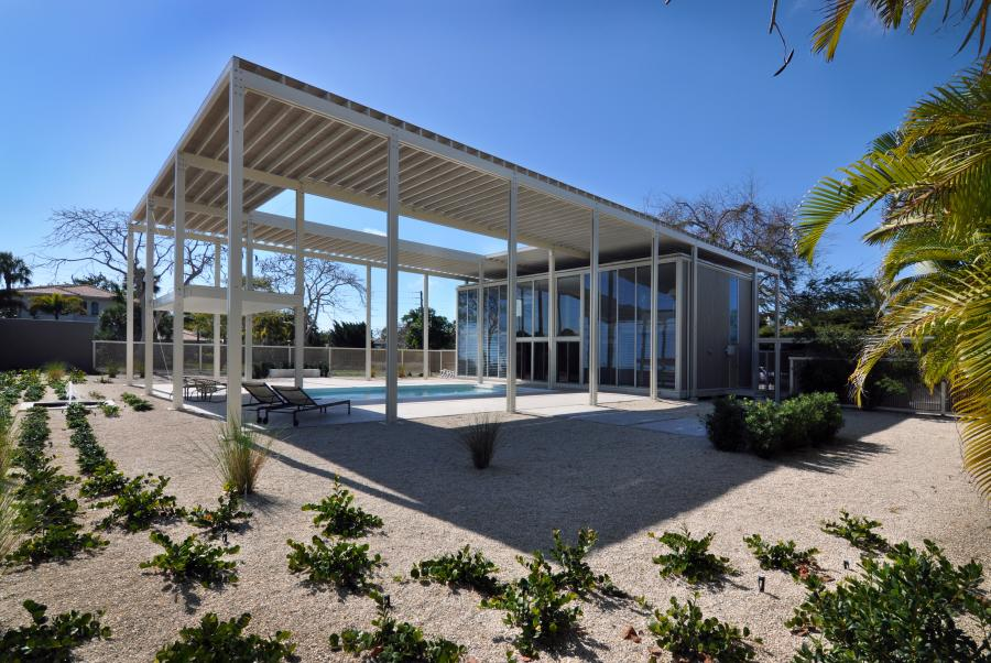 Buying or Selling a Modern Home in Florida? Contact modern home expert Realtor Tobias Kaiser now!